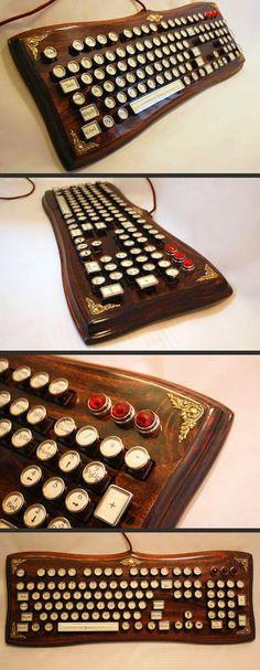 cool-keyboard-design-old-steampunk - Techno Gadgets Cool Ideas, Gadgets Steampunk, Steampunk Keyboard, Steampunk Accessoires, Style Steampunk, Steampunk Drawing, Steampunk Design, Cool Tech, Steam Punk