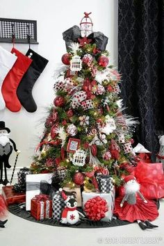 red black white christmas red black white christmas black christmas trees christmas tree themes - Red And Black Christmas Decorations