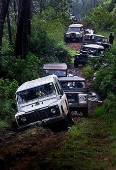 Various Land Rover Defenders and Land Rover Series Land Rover Defender, Defender 90, Land Rover Models, 2cv6, Cars Land, Off Road Adventure, 4x4 Off Road, Mustang, Lifted Ford Trucks