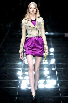 Burberry Prorsum Spring 2011 Ready-to-Wear Fashion Show - Paula Klimczak