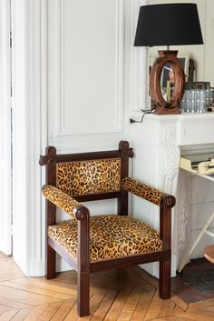 The Socialite Family   Trône panthère. #portrait #meet #alexandragolovanoff #leboncoin #thesocialitefamily #livingroom #salon #office #fauteuil #armchair #pattern #motif #bureau #canapé #sofa #design #art #home