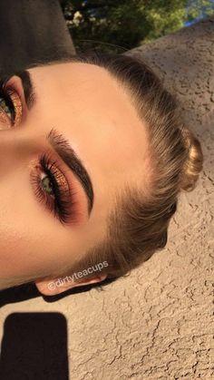 Rose gold makeup eyeshadow look for makeup inspiration Roségold-Make-up-Lidschatten suchen nach Make-up-Inspiration Prom Makeup Looks, Day Makeup, Cute Makeup, Gorgeous Makeup, Skin Makeup, Eyeshadow Makeup, Bronze Eye Makeup, Eyeshadows, Gold Eyeshadow Looks