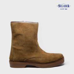 El modelo 5523 de Calzados Segarra son unas botas de trabajo robustas con una horma ancha. Han sido especialmente diseñadas para el sector agricultor. Las botas de trabajo mod. 5523 proporcionan un agarre óptimo. Las botas de trabajo de Calzados Segarra ofrecen una relación calidad-precio espectacular en comparación con el resto.