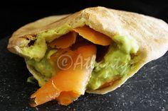 Terapia do Tacho: Salada de ovo e salmão fumado em pão pita (Egg and smoked salmon salad in pira bread)