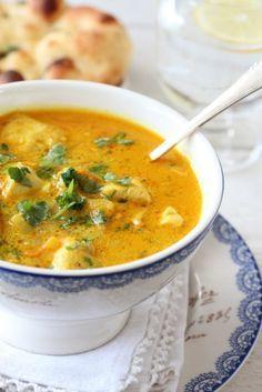 Indisk kyllingsuppe med eple, ingefær og chili. Trines matblogg.