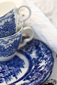 My new colors maybe red and white, but I still love blue and white china
