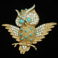 Owl Pin Beads Rhinestones Trifari Bird Brooch Vintage Horned Owl, Bird Jewelry, Vintage Brooches, Brooch Pin, Vintage Designs, Antique Jewelry, Plating, Beads, Gold
