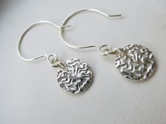 Items similar to Textured silver coin earrings, disc silver earrings on Etsy Minimalist Jewelry, Silver Coins, Silver Earrings, Charms, Texture, Personalized Items, Cool Stuff, Unique Jewelry, Handmade Gifts