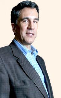 Carlos Elizondo - Vender el petróleo