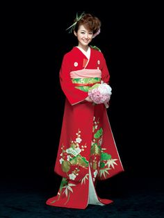 Elegant Red Hiki Furisode with a Delicate Pine, Bamboo, and Plum Blossom Design Japanese Wedding Kimono, Japanese Kimono, Japanese Brides, Traditional Japanese Art, Traditional Dresses, Traditional Wedding, Geisha, Japan Outfits, Kimono Japan