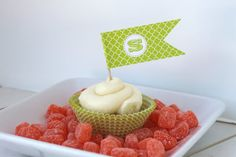 Cupcake Flags great for bottle cap jewelry, glass tile jewelry & fridge magnets too! #ecrafty