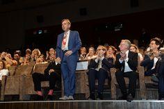 """L'attore Timothy Spall riceve il meritatissimo applauso della 73. Mostra del Cinema di Venezia all'anteprima del film """"Il Viaggio (The Journey)"""" © La Biennale foto ASAC"""