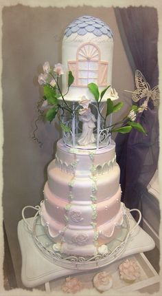 #weddingcake #mariage #fleursensucre #sweatpeas   #cakedesigner #angersmariage #frenchwedding #gateaudemariage #paysdelaloire #mariageangers #patisserie #cakedesign #poisdesenteur #weddinglux  #loirevalleywedding