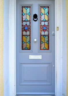 Late Victorian Accoya front door with stained glass. – Verre et de vitrailes Wooden Front Door Design, Wooden Front Doors, Glass Front Door, Front Door Decor, Sliding Glass Door, Georgian Doors, Victorian Front Doors, Stained Glass Door, Stained Glass Panels