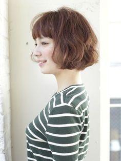 「柔らかな質感のふわくしゅボブ」 ショートのヘアスタイル。柔らかい質感でつくるふわくしゅボブ☆髪型を変えるだけでオシャレ度が上がります♪