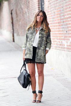 Jacket/Chaqueta_ Zara (aw12)    Skirt/Falda_ Queen´s Wardrobe (old)    Sandals/Sandalias_ Mango (ss12)    Bag/Bolso_ Max & Co (aw12)    Sunnies/Gafas_ Uterqüe    Necklace/Collar_ Forever 21