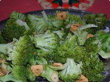 Brocolis-no-azeite-e-alho