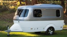 Airstream Nest Camper Trailer, can be pulled by a mid-size SUV. Small Camper Trailers, Small Travel Trailers, Tiny Camper, Small Trailer, Small Campers, Cool Campers, Airstream Trailers, Lightweight Travel Trailers, Lightweight Campers