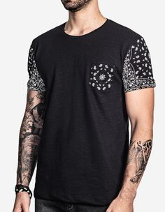 Love the sleeve and tattoo in general Nomad Fashion, Dope Fashion, Urban Fashion, Mens Fashion, Fashion Outfits, Fashion Design, Latest Outfits, Cool Outfits, Screen Printing Shirts