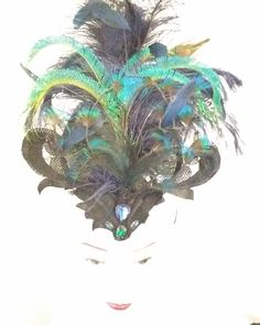 Peacock feather heaven #hats #hatsandhightea #magicmillions #peacock #iridescent #madhatter #madeinaustralia #fashionblogger #tiara #headpiece #peacockfeathers #wendylouisedesigns #millinery #millinerycouture #feathers #fascinator #burlesque #showgirl #vintageinspired #collaboration @lindycharmschool @belle.folie.designs