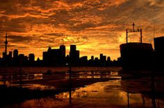 Massive Storm Hits Toronto, Tornados Reported Across GTA Tornados, Love Can, Gta, Amazing Art, New York Skyline, Toronto, Canada, Explore, Sunset