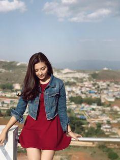 May Myint Mo Beautiful Snapshots in Taung Gyi , Shan State Cute Korean Girl, Cute Asian Girls, Beautiful Asian Girls, Beautiful Models, Girl Photo Poses, Girl Poses, Pop Fashion, Unique Fashion, Burmese Girls