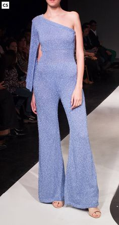 mono hombro desnudo,tejido en algodón con seda y lurex./Jumpsuit nudeshoulder, knit silk,cotton 6 lurex.