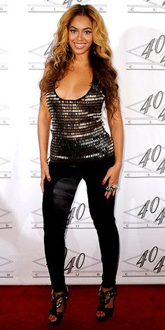 Look of the Day - March 6, 2010 - Beyonce in Gucci from #InStyle