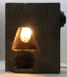 The desk lamp with cement lamp-chimney