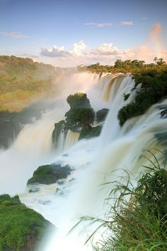 Iguaçu Falls, taken in the argentinian side. The other side of the canyon is brazilian. Puerto Iguazu, Argentina