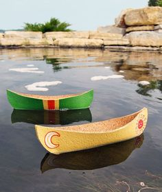 These sweet toy canoes, made of cork, are sure to inspire feelings of summertime, campfires, and the great outdoors. They're easy to make, fun to paint, and they really float!