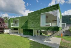 Single family home in Frohnleiten, Austria of Weichlbauer Ortis Architects. | photos © Peter Eder