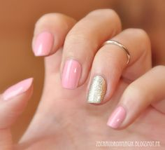 ZeChaudronMagik: Rose and Gold Essie Beyond Cozy and Kiko 376 Pink Candy nail art manucure  accent nail
