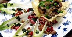 No te pierdas nuestras sugerencias para sacarle el máximo partido a las endibias este verano. Canapes, Quinoa, Salads, Mexican, Ethnic Recipes, Food, Healthy Vegetarian Meals, Food Items, Essen