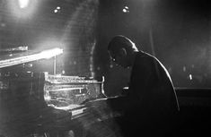 American jazz pianist Bill Evans performing at Montreux Jazzfestival Switzerland Bill Evans, All That Jazz, Jazz Musicians, Music Photo, Portrait Ideas, Carpe Diem, American, Fashion Fashion, Switzerland
