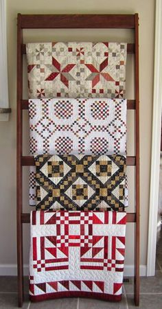 We love how Helen displays her gorgeous quilts! If you are like us, we are always looking for unique ways to display our quilts. Quilt Studio, Studio Art, Quilting Room, Quilting Projects, Quilting Tips, Quilt Ladder, Blanket Ladder, Jacob's Ladder, Quilt Hangers