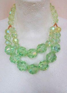 Kaufe meinen Artikel bei #Kleiderkreisel http://www.kleiderkreisel.de/accessoires/ketten-and-anhanger/121974594-statementkette-mit-grunen-kristallperlen