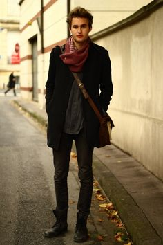 the scarf really makes this subtle look come alive.