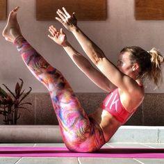 Buenos días yoguis!! Vamos arriba con una gran sonrisa!!  Ya sabes lo que vas a hacer hoy?! A mi me toca clase de yoga