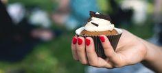 Ciasteczka na stronie, a właściwie informacja o nich, to temat wałkowany już od dłuższego czasu. Któregoś pięknego dnia weszła w życie dyrektywa, w której nakazano wszystkim zbierającym informacje o swoich użytkownikach (w postaci plików cookies) informować ich o tym fakcie komunikatem na stronie. #WordPress