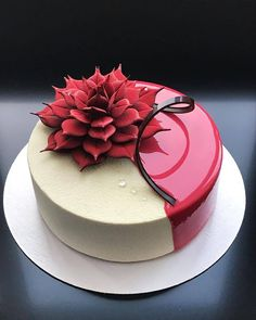 Beautiful trending veloure and mirror glaze cake. ❤ Chocolate de… Beautiful trending veloure and mirror glaze cake. ❤ Chocolate decoration looks really great on it!🙈🍰 – Bake together. Beautiful Cake Designs, Gorgeous Cakes, Pretty Cakes, Amazing Cakes, Fancy Desserts, Just Desserts, Mirror Glaze Cake, Chocolate Decorations, Elegant Cakes