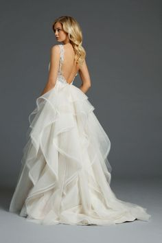 Stunning and contemporary couture wedding gown. Admire the immaculate detail by this designer, Alvina Valenta in her stunning work of art. The low . Alvina Valenta Wedding Dresses, 2015 Wedding Dresses, Wedding Attire, Wedding Gowns, Backless Wedding, Wedding Dress Backs, Robes Glamour, Mod Wedding, Wedding Vintage