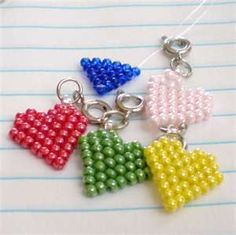 cute little seed bead hearts. would make a cute charm bracelet.