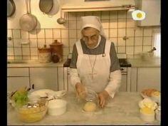 1/3,.. 1)Masa Strudell para salado (Min 4:10 relleno pollo). Min 6.50 estira masa  2) Ensalada papas a la suiza Hermana Bernarda Saladas tentaciones