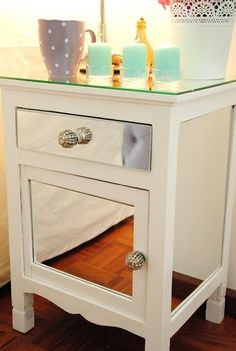 * WHITE * GLAM: Recycle furniture with mirrors ** Recycling furniture with mirrors this will reflect light and reduce electricity costs Diy Mirrored Furniture, Repurposed Furniture, Furniture Makeover, Painted Furniture, Mirrored Nightstand, Furniture Projects, Home Projects, Home Furniture, Diy Interior