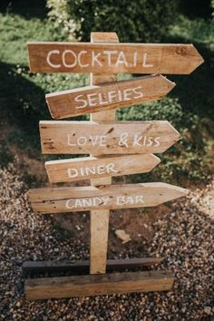 30 inspirations for a country wedding Best Picture For Decoration Mariage corail For Your Taste You Wedding Events, Wedding Reception, Rustic Wedding, Wedding Country, Décoration Garden Party, Dream Wedding, Wedding Day, Retro Hairstyles, Simple Pleasures