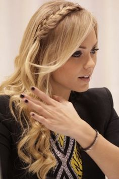 Laura Vandervoort long curls and braid Pretty Hairstyles, Braided Hairstyles, Wedding Hairstyles, Hairstyles 2018, Updo Hairstyle, Wedding Updo, Braided Updo, Summer Hairstyles, How To Make Hair