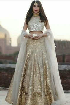 For a signature look wear this elegant hand crafted kundun blouse and gota lehnga Pakistani bridal wear Odessa by Natasha Kamal. Indian Bridal Wear, Indian Wedding Outfits, Pakistani Bridal, Pakistani Outfits, Indian Wear, Indian Outfits, Indian Engagement Outfit, Bride Indian, Eid Outfits