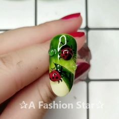 Nail Art✰A Fashion Star✰ - Nail Design - Tatuagem Star Nail Designs, Nail Art Designs Videos, Nail Design Video, Nail Art Videos, Fall Nail Designs, Nail Polish Art, New Nail Art, Cool Nail Art, Star Nails