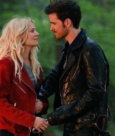 Drop Everything — Hook and Emma Might Be Expecting a Baby on Once Upon a Time<<<<Spoiler They are Ouat, Once Upon A Time Funny, Once Up A Time, Emma Swan, Killian Jones, Killian Hook, Tv Show Couples, Hook And Emma, Colin O'donoghue
